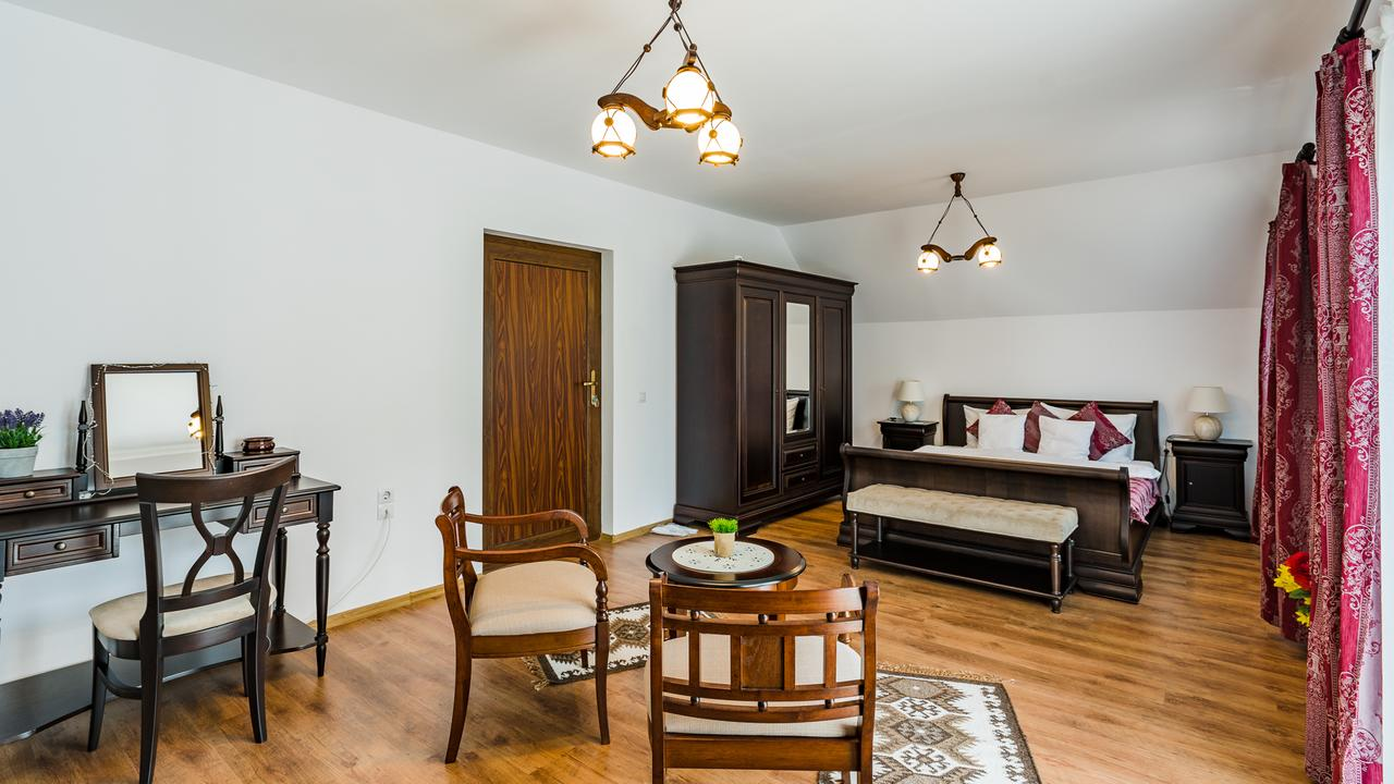 Double Room With Castle View Sighisoara Accommodation 3