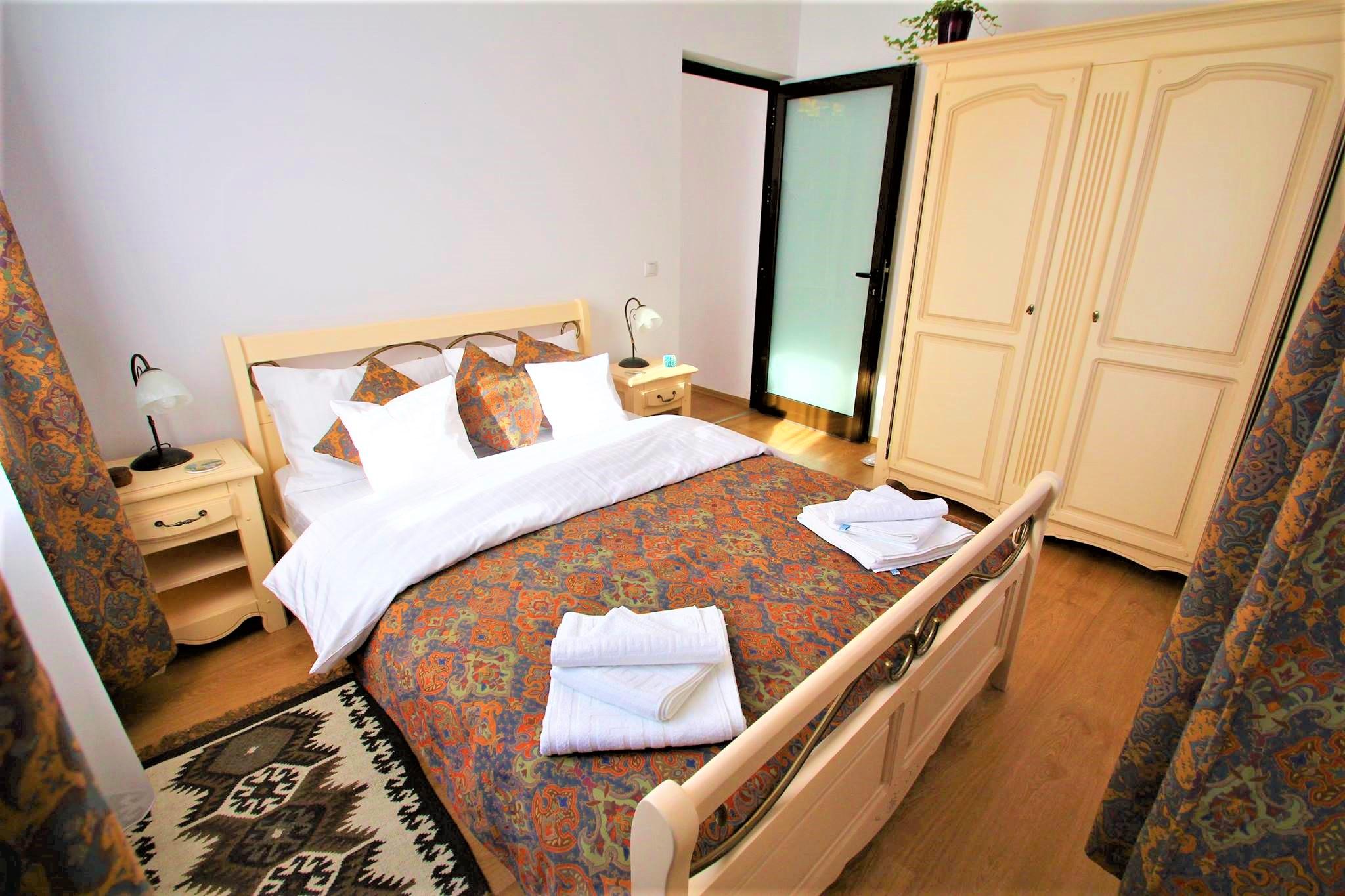 Suita cu doua dormitoare - Cazare in Sighisoara 3 persoane - Flora Luxury House, Sighisoara 4